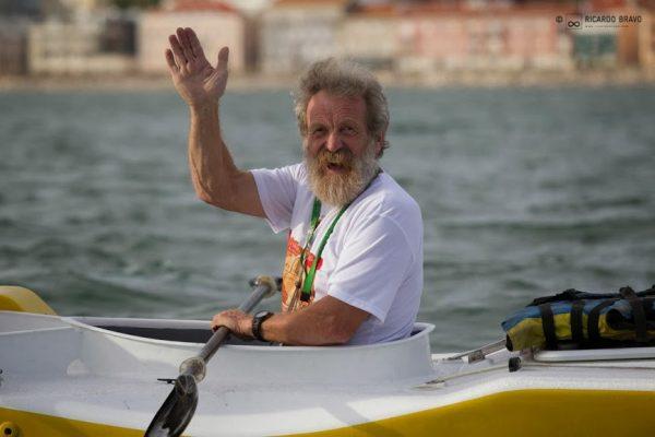 Pozdrowienia od wypływającego z Lizbony w dniu 05.10.2013 r. Olka (fot. Ricardo Bravo, Canoe & Kayak/Canoandes)