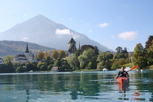 Kajak z widokiem na Alpy (fot. Joanna Niżnik)