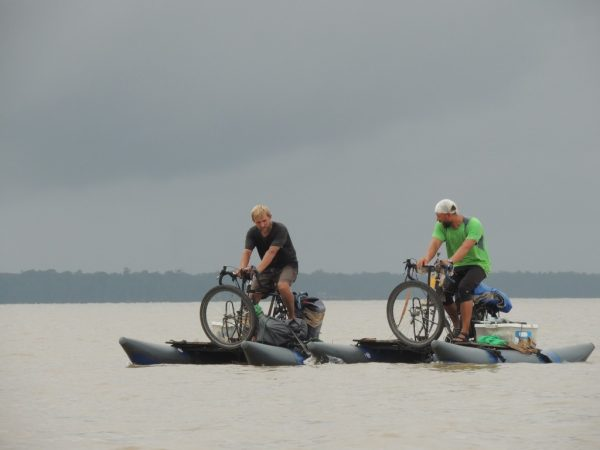 Rowerem po Amazonce. Fot. Igor Vianna